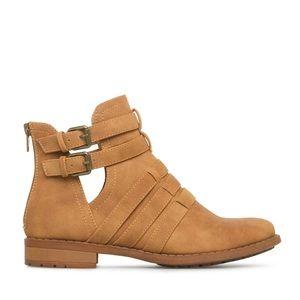 ShoeDazzle Raja Booties - Tan
